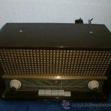 Radios de válvulas: ANTIGUA RADIO VALVULAS- EMUD FAVORIT 61- BAQUELITA- FUNCIONA 220V. Lote 31766031