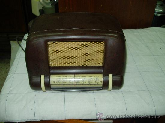 RADIO SIN MARCA (Radios, Gramófonos, Grabadoras y Otros - Radios de Válvulas)