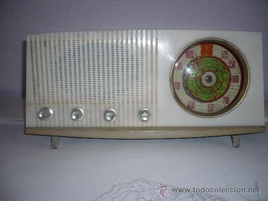 Radios de válvulas: RADIO ANTIGUA VINTAGE RETRO VICTORIA DE MADERA FUNCIONANDO AÑOS 60 ESPAÑA SPAIN - Foto 6 - 33994448