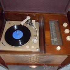 Radios de válvulas: RADIO-TOCADISCOS LA VOZ DE SU AMO. Lote 34376627