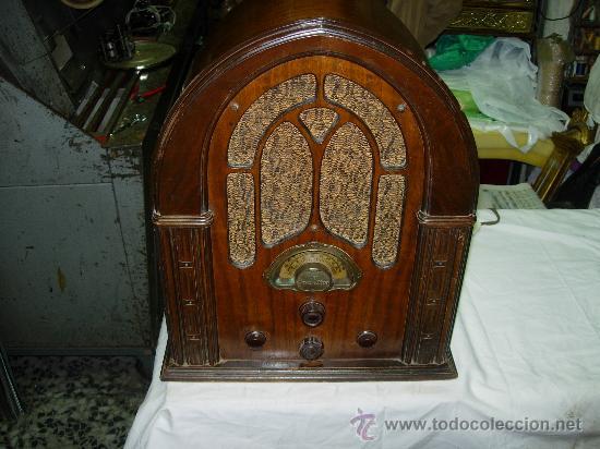 RADIO CAPILLA ATWATER KENT FUNCIONANDO (Radios, Gramófonos, Grabadoras y Otros - Radios de Válvulas)