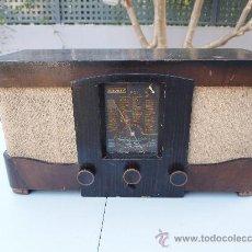 Radios de válvulas: RADIO A VALVULAS DE LOS AÑOS 40 , LEMOUZY , FABRICADA EN PARIS, FUNCIONANDO. Lote 35088577