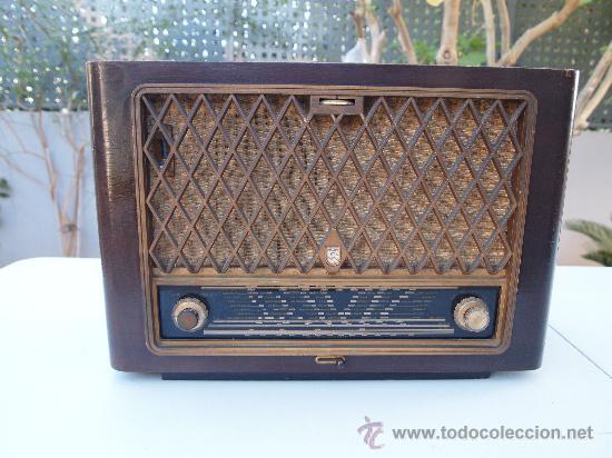 RADIO A VALVULAS PHILIPS , DE LOS AÑOS 50 (Radios, Gramófonos, Grabadoras y Otros - Radios de Válvulas)