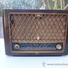 Radios de válvulas: RADIO A VALVULAS PHILIPS , DE LOS AÑOS 50. Lote 35089856