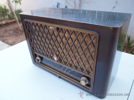 Radios de válvulas: RADIO A VALVULAS PHILIPS , DE LOS AÑOS 50 - Foto 2 - 35089856