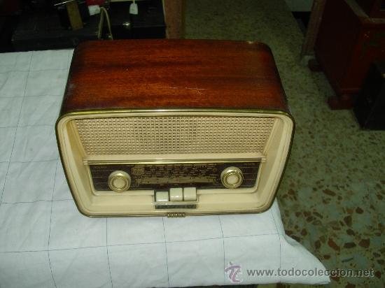 TELEFUNKEN CAPRICHO U-2025-FM (Radios, Gramófonos, Grabadoras y Otros - Radios de Válvulas)