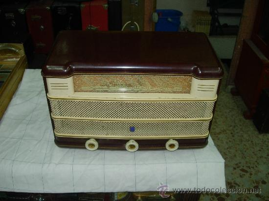 RADIOLA RA30A (Radios, Gramófonos, Grabadoras y Otros - Radios de Válvulas)