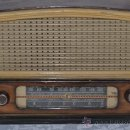Radios de válvulas: INTERESANTE RADIO ESPAÑOL DE MADERA Y VALVULAS MARCA RADIODINA MODELO 303. Lote 37122822