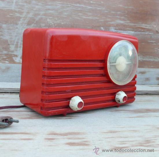 Radios de válvulas: RARÍSIMA RADIO ANTIGUA BAQUELITA ROJA ULTRAMAR CHICAGO O ESPAÑA - Foto 2 - 37707857
