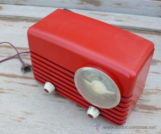 Radios de válvulas: RARÍSIMA RADIO ANTIGUA BAQUELITA ROJA ULTRAMAR CHICAGO O ESPAÑA - Foto 3 - 37707857
