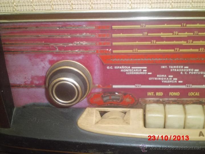 Radios de válvulas: RADIO ANTIGUA CON CAJA DE MADERA DE LA MARCA ASKAR - Foto 5 - 192209445
