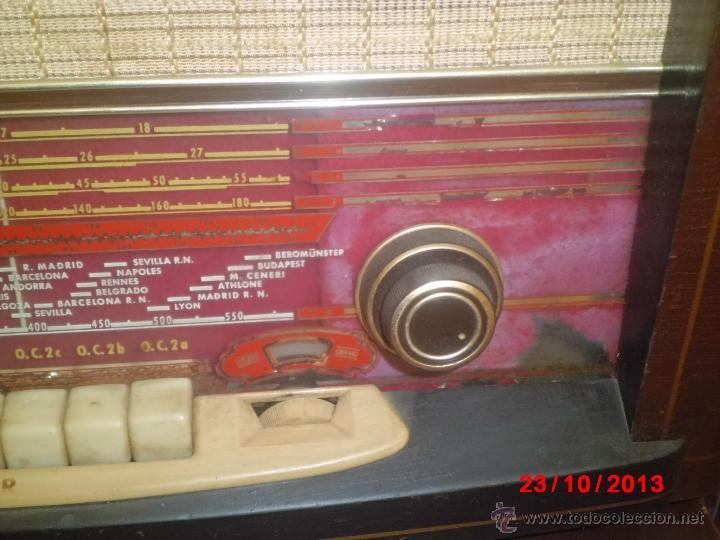 Radios de válvulas: RADIO ANTIGUA CON CAJA DE MADERA DE LA MARCA ASKAR - Foto 6 - 192209445