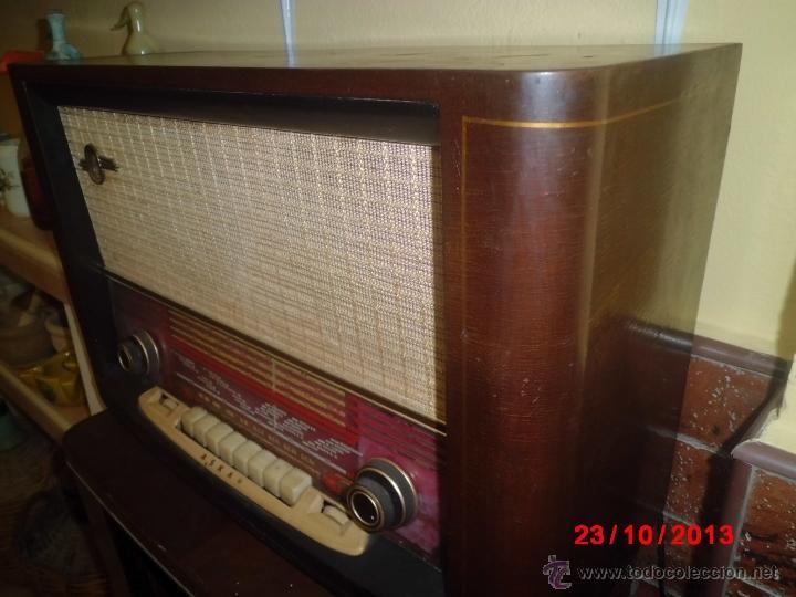Radios de válvulas: RADIO ANTIGUA CON CAJA DE MADERA DE LA MARCA ASKAR - Foto 7 - 192209445