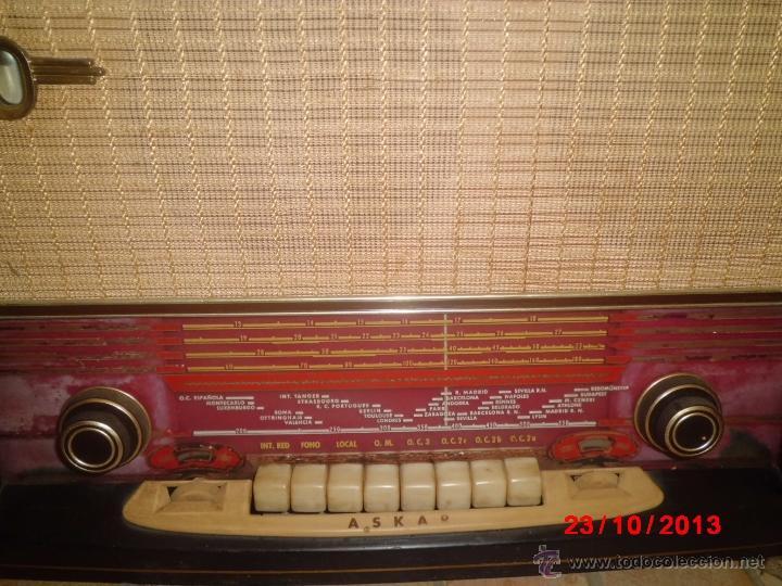 Radios de válvulas: RADIO ANTIGUA CON CAJA DE MADERA DE LA MARCA ASKAR - Foto 9 - 192209445