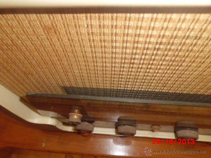 Radios de válvulas: RADIO ANTIGUA CON CAJA DE MADERA - Foto 3 - 39633702