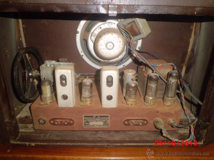 Radios de válvulas: RADIO ANTIGUA CON CAJA DE MADERA - Foto 4 - 39633702