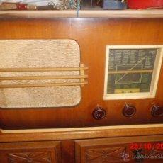 Radios de válvulas: RADIO ANTIGUA CON CAJA DE MADERA . Lote 39633738