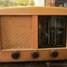 Radios de válvulas: RADIO MUNDIAL, MODELO E-52, RESTAURADA. 26 X 37,5 X 19,5 CMS. DE FONDO.. Lote 39646540