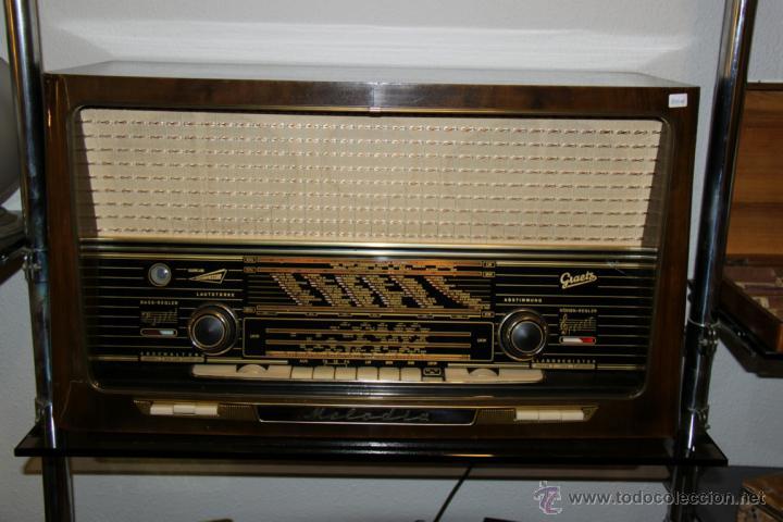 ANTIGUO RADIO DE VÁLVULAS ORIGINAL, GRAETZ, MELODIA 419, FUNCIONANDO GRAN SONIDO. (Radios, Gramófonos, Grabadoras y Otros - Radios de Válvulas)