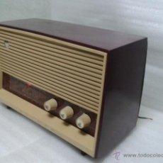 Radios de válvulas: ANTIGUA Y PEQUEÑA RADIO- INVICTA MOD. 5367. FUNCIONANDO.. Lote 40719017