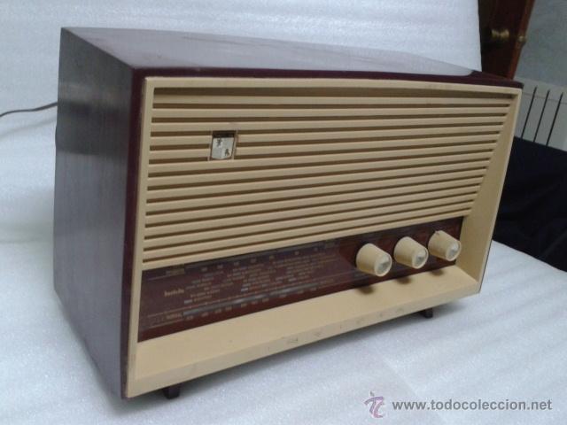 Radios de válvulas: ANTIGUA Y PEQUEÑA RADIO- INVICTA MOD. 5367. FUNCIONANDO. - Foto 5 - 40719017