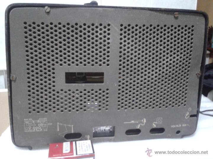 Radios de válvulas: Antigua radio PHILIPS Mod.B4E72 A. FUNCIONANDO - Foto 5 - 41140790