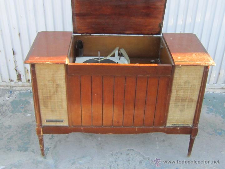 Mueble radio tocadiscos general electric comprar radios for Muebles para tocadiscos