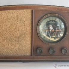 Radios de válvulas: PRECIOSA RADIO ANTIGUA DE MADERA MARCA IBERIA AÑO 1947. Lote 42098958