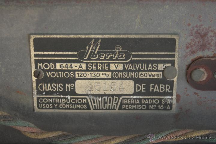 Radios de válvulas: PRECIOSA RADIO ANTIGUA DE MADERA MARCA IBERIA AÑO 1947 - Foto 9 - 42098958