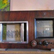 Radios de válvulas: RADIO ART-DECO CON CAJA DE MADERA Y COLUMNAS DE LATON. AÑOS 30.. Lote 27418045