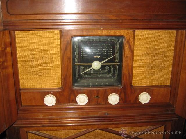 Radios de válvulas: Mueble radio marca Inter con tocadiscos. Años 40. - Foto 9 - 27163739