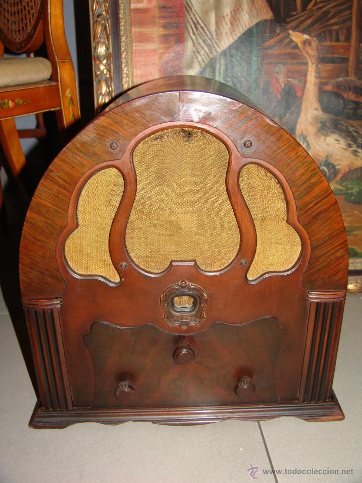 PRECIOSA RADIO DE CAPILLA MARCA CROSLEY(USA).AÑO 1934. (Radios, Gramófonos, Grabadoras y Otros - Radios de Válvulas)