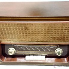 Radios de válvulas: RADIO MADERA MAGESTIC MOD. SPUTNIK-P. PIEZA COLECCIONISTA. NO FUNCIONA. VER DESCRIPCION. Lote 43215920