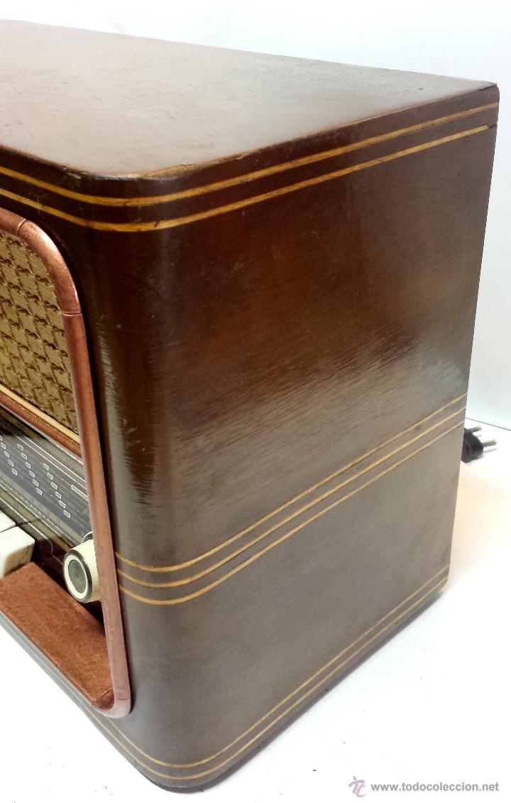 Radios de válvulas: RADIO MADERA MAGESTIC MOD. SPUTNIK-P. PIEZA COLECCIONISTA. NO FUNCIONA. VER DESCRIPCION - Foto 5 - 43215920