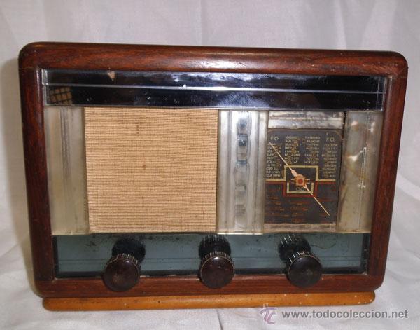 Radios de válvulas: ANTIGUA RADIO DE MADERA Y CRISTALES , MUY RARA - Foto 2 - 43257378