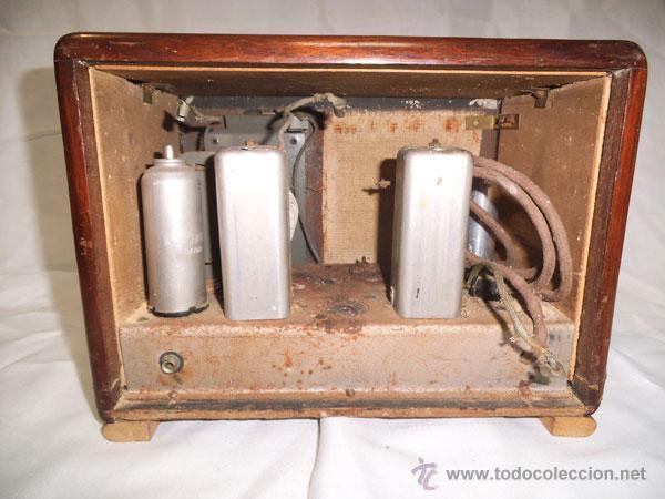 Radios de válvulas: ANTIGUA RADIO DE MADERA Y CRISTALES , MUY RARA - Foto 7 - 43257378