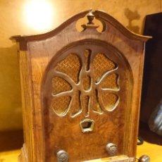 Radios de válvulas: RADIO CAPILLA CATEDRAL EMERSON SHERIDAN 1930 PERFECTA (CON VIDEO). Lote 44247662