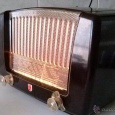 Radios à lampes: RADIO PHILIPS BF311 (LA LIRA )- FUNCIONANDO. Lote 45176945