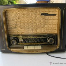 Radios de válvulas: RADIO MARCA GRUNDIG MODEL 955 3D KLANG MADE IN W GERMANY FUNCIONA PERFECTAMENTE. Lote 45696771