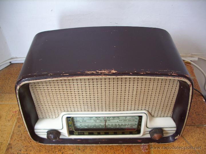 Radios de válvulas: radio IBERIA a valvulas y funciona en todas las bandas. - Foto 4 - 45978283