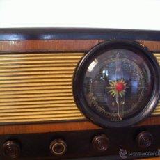 Radios de válvulas: RADIO ANTIGUA ESPAÑOLA FUNCIONA. Lote 45978304