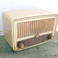 Radios de válvulas: PRECIOSA PEQUEÑA RADIO ANTIGUA VINTAGE VALVULAS PHILIPS BAQUELITA CREMA . Lote 46524966