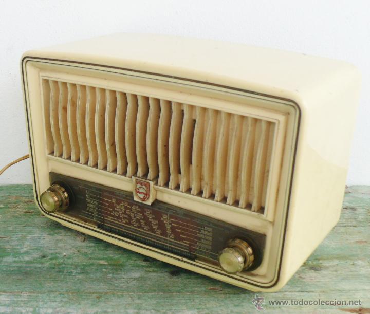 Radios de válvulas: PRECIOSA PEQUEÑA RADIO ANTIGUA VINTAGE VALVULAS PHILIPS BAQUELITA CREMA - Foto 4 - 46524966