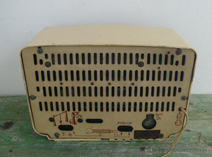 Radios de válvulas: PRECIOSA PEQUEÑA RADIO ANTIGUA VINTAGE VALVULAS PHILIPS BAQUELITA CREMA - Foto 5 - 46524966