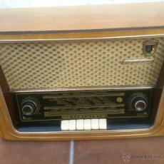 Radios de válvulas: RADIO SOVIETICA MUEBLE DE MADERA.ORIGINAL. Lote 48290650
