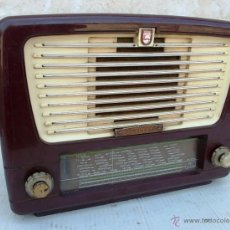 Radios de válvulas: RADIO DE VALVULAS PHILIPS DE BAQUELITA, FUNCIONANDO A 220V ,RADI365. Lote 48318460