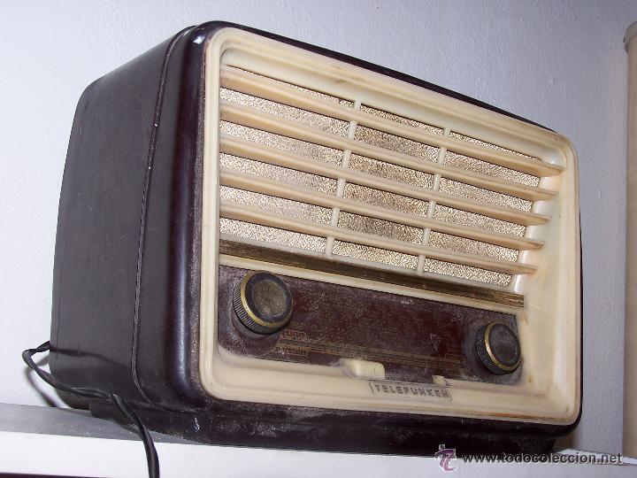 ANTIGUA Y PEQUEÑA RADIO TELEFUNKEN DE LOS AÑOS 50 (Radios, Gramófonos, Grabadoras y Otros - Radios de Válvulas)