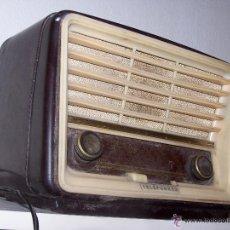 Radios de válvulas: ANTIGUA Y PEQUEÑA RADIO TELEFUNKEN DE LOS AÑOS 50. Lote 48588495