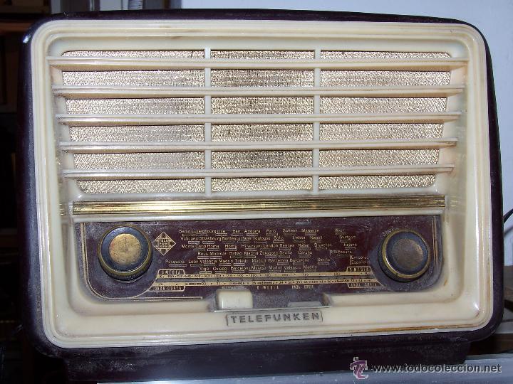 Radios de válvulas: Antigua y pequeña radio TELEFUNKEN de los años 50 - Foto 3 - 48588495