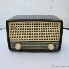 Radios de válvulas: ANTIGUA RADIO A VALVULAS PHILIPS MODELO TIPO BE 262 U. Lote 49251320